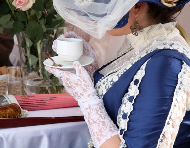 Victoriana wingz fashion sleeves